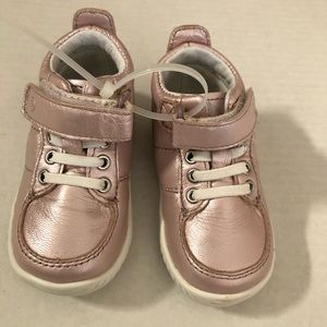 Stride Rite Metallic Pink Bailey baby Shoes